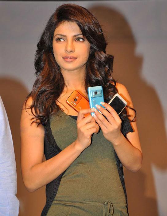 priyanka chopra launches nokia n latest photos