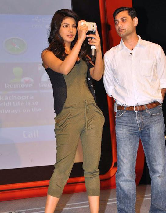priyanka chopra launches nokia n photo gallery