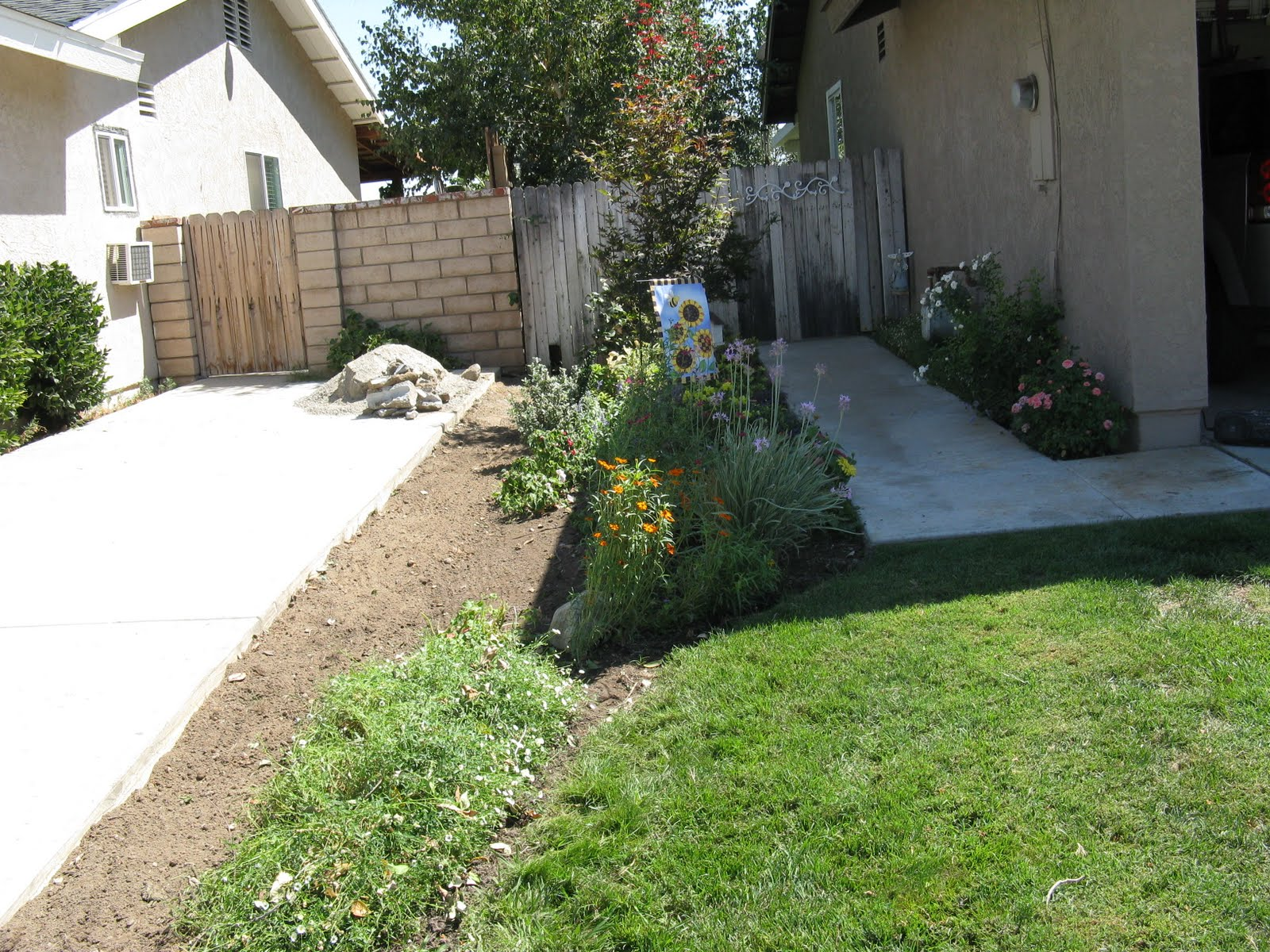 40+ Beautiful Front Yard Fence Ideas - Page 19 of 45