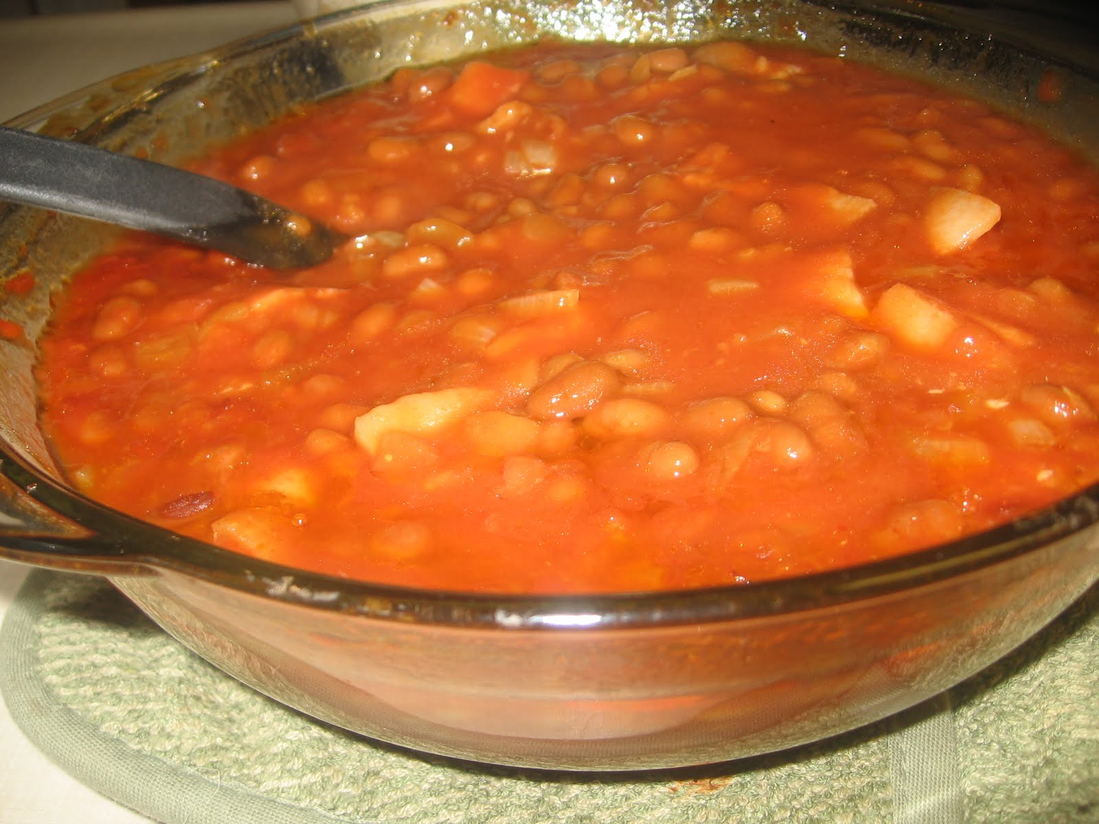 Lucy's Kitchen: Great Grandma Emma's Baked Beans