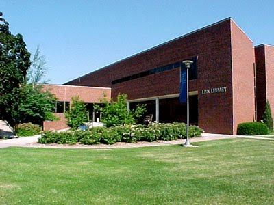 Link Library at Concordia University in Seward, Nebraska. Image taken from http://www.cune.edu/academics/library/442/
