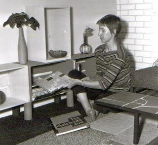 Dorris Marxhausen as a young woman, sitting on the floor. Image taken from http://karl.marxhausen.net/blog/labels/Dorris%20Marxhausen.html