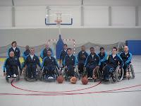 Fotografia da equipa de basquetebol em cadeira de rodas Os Trovões