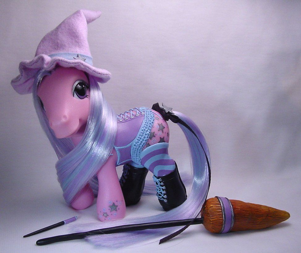 Charm  corseted little pony by Woosie Add it to your favorites to revisit it later.