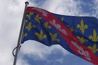 drapeau fleurdelisé de leopards