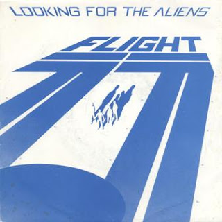 Flight 77 (UK) - Looking For The Aliens [Single] (1982) O211350