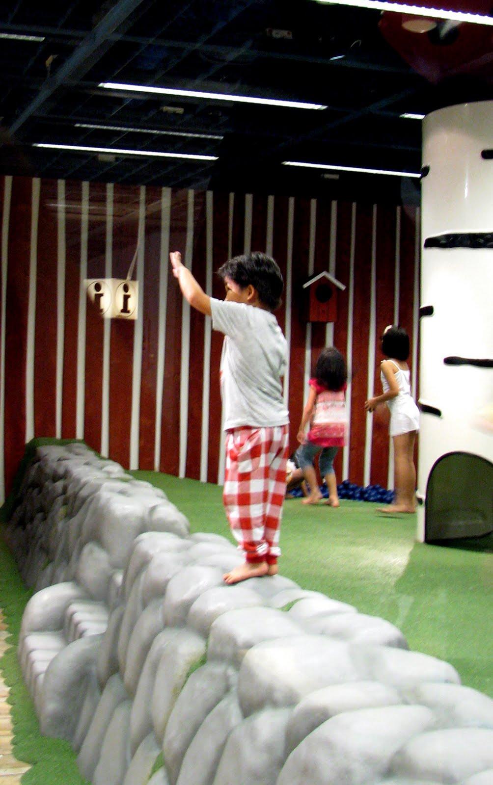 cheekiemonkies singapore parenting lifestyle blog sm land cheekie monkies. Black Bedroom Furniture Sets. Home Design Ideas