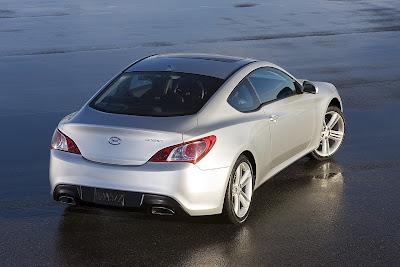 2010 Hyundai Genesis RWD Sports Coupe
