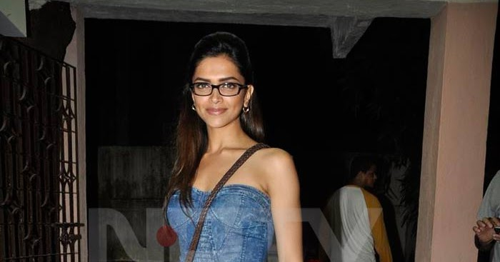 Deepika Padukone: Specs short denim n Sexy Deepika poses ...