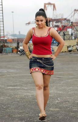 http://3.bp.blogspot.com/_7_380b_lYio/Sbp27sLI38I/AAAAAAAAB4g/T65bxPcFY_8/s400/charmi-actress-hot-gallery.jpg