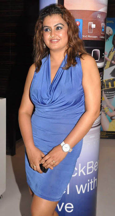 sona kanimozhi movie premiere photo gallery