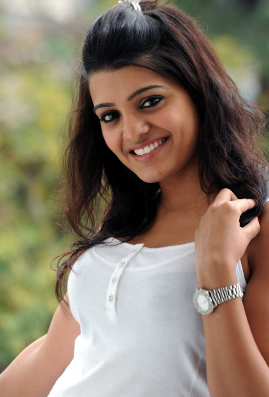 Actress Tashu Kaushik wallpapers