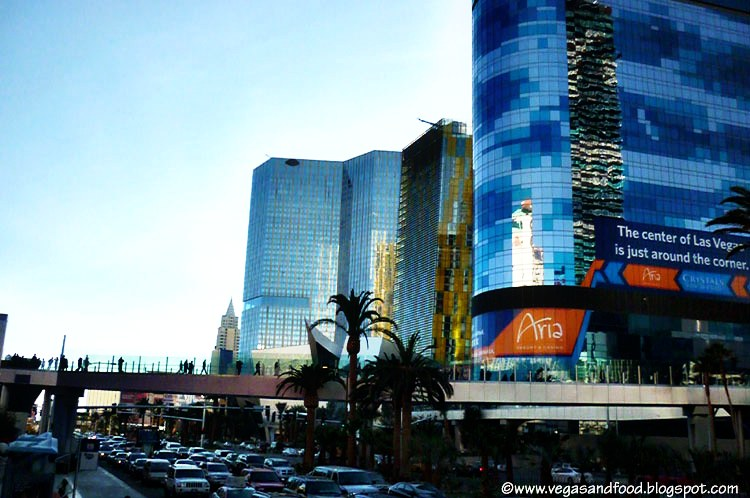 Experience a luxury Las Vegas hotel and casino along The Strip and explore the unexpected. At The Cosmopolitan of Las Vegas, the possibilities are endless.