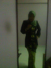 PRE-KEBAYA, baju adik punya ;D