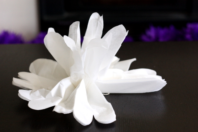 how to make flower pom poms out of tissue paper