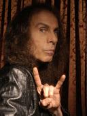 Blogom ajánlom Ronnie James Dio emlékének.