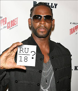 R. KELLY's trial for child pornography charges was briefly disrupted on ...