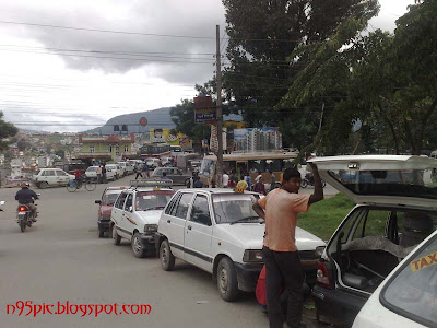 automobiles queue