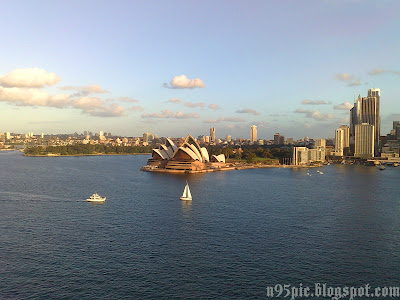 n95 pictures, Sydney, Australia, New South Wales,Opera House,Sydney Opera House,Harbour,Harbour Bridge,Opera House Pictures,Opera house from Harbour Bridge
