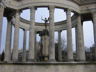 Photo by Rullsenberg: Cardiff Memorial