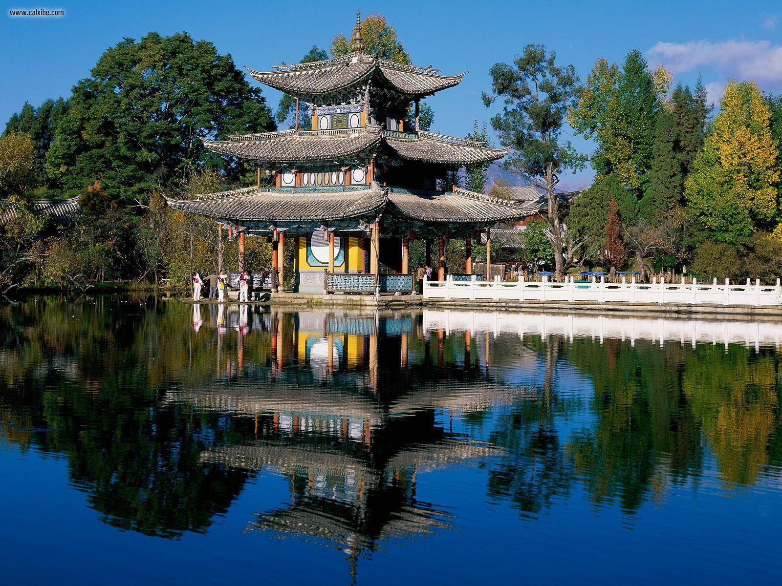 http://3.bp.blogspot.com/_7euhH3K4U-0/TRUIR7WaQqI/AAAAAAAAAEI/fE2d91nSs0s/s1600/Deyue_Pavilion_Black_Dragon_Pool_Park_Beijing_China.jpg