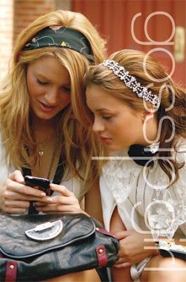 2628 137595035327 118350410327 6215270 1971037 n - Blake Lively [Gossip Girl-Serena]
