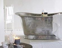 Et bad med et nytt blad og et glass vin, er legende....