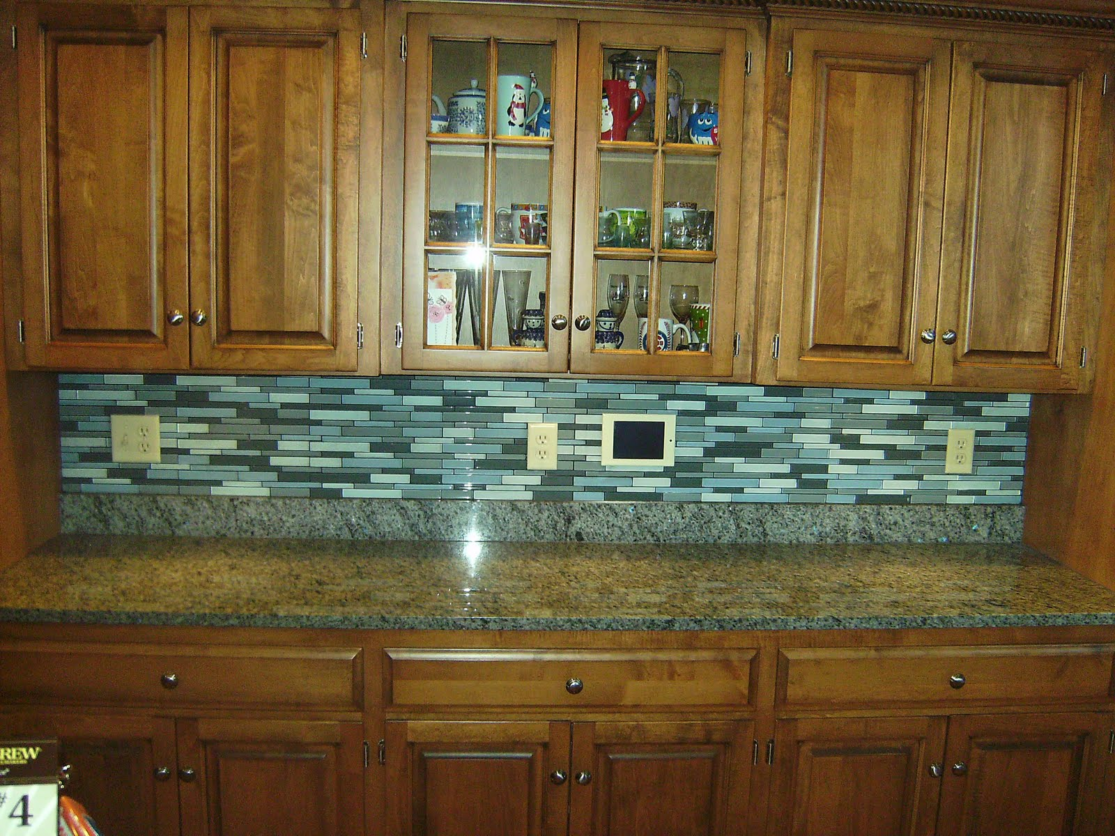 Knapp tile and flooring inc glass tile backsplash for Bathroom backsplash