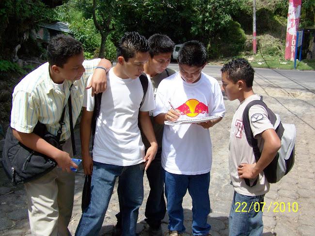 Estudiantes del Noveno Grado Participando en Tareas de Prevención: DENGUE
