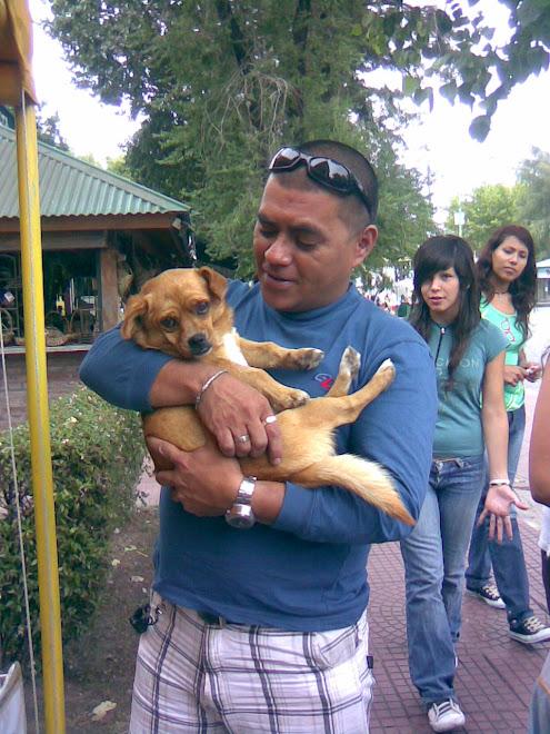 Javier, adoptó a POCHO