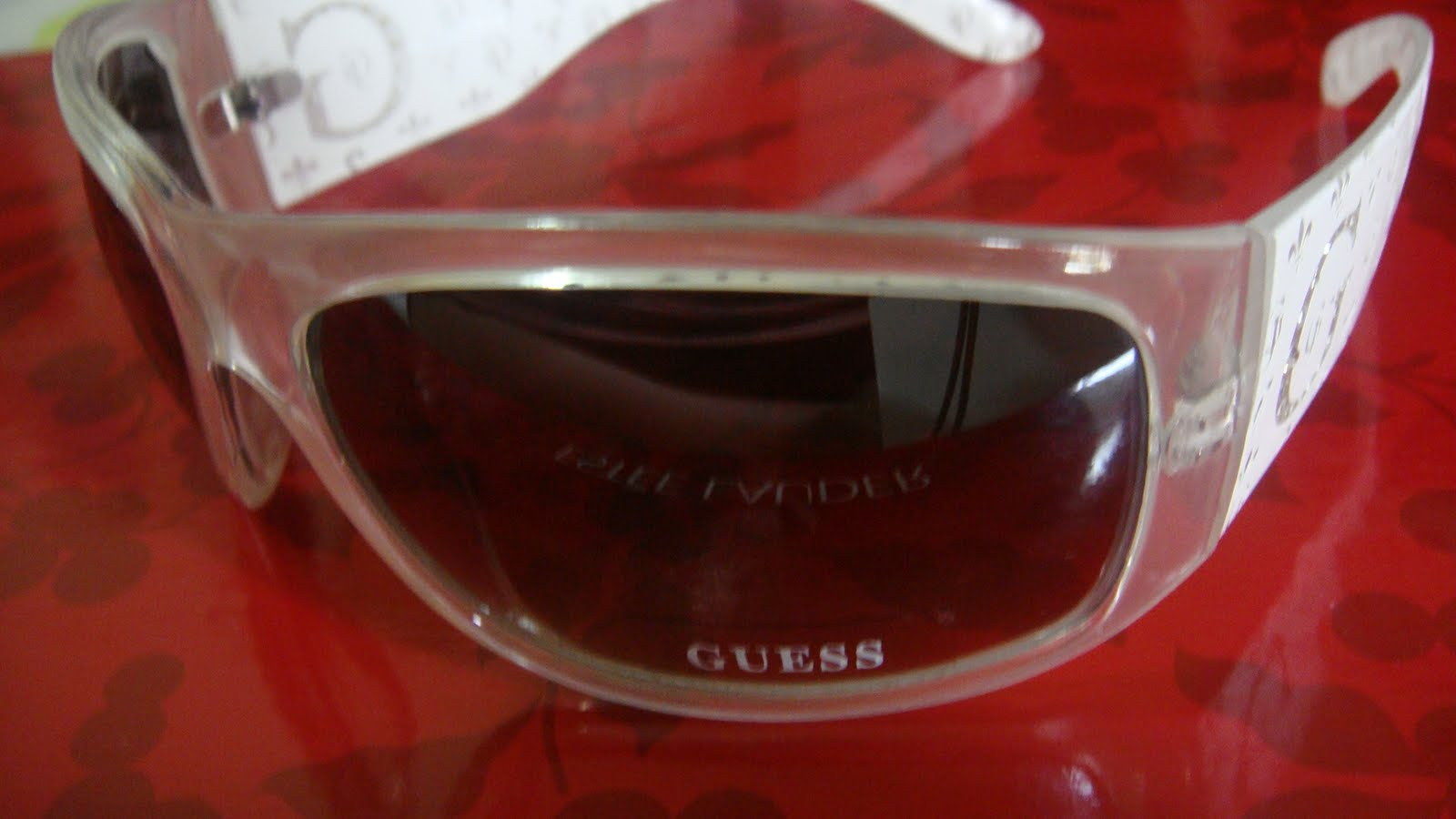 [GUESS+WHITE+SUNGLASSES1]
