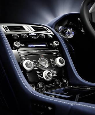 Aston Martin Vantage S interior