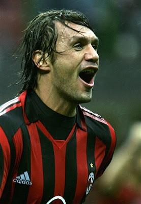 Paolo Maldini fa 900 gare con il Milan