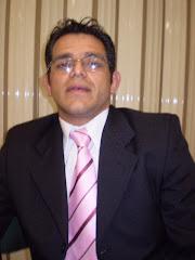 Professor Edevanir Leopoldino