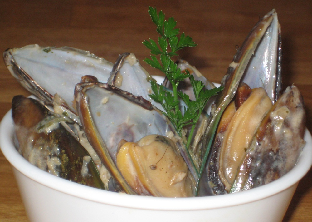 ... and a Movie: Thai-style Mussels with Coconut Milk and Lemongrass