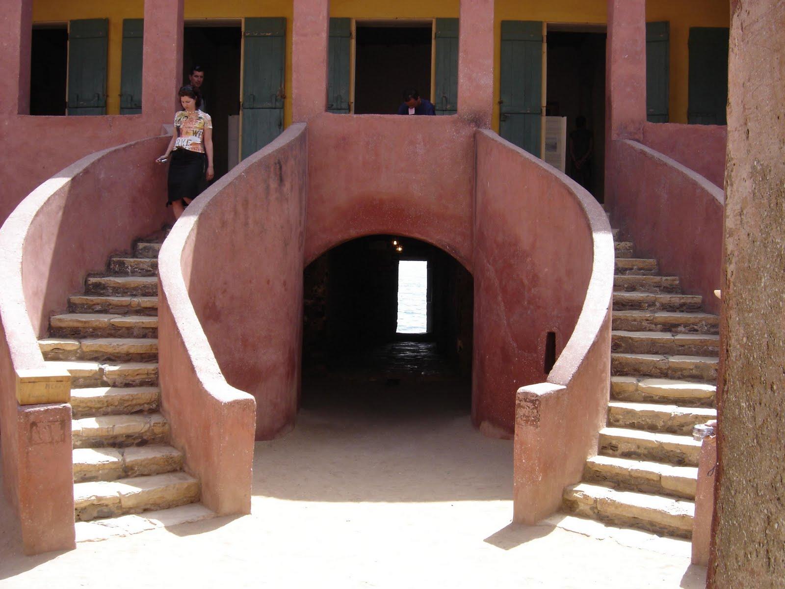 Sancara blog sull 39 africa isola di goree senegal for Casa coloniale francese