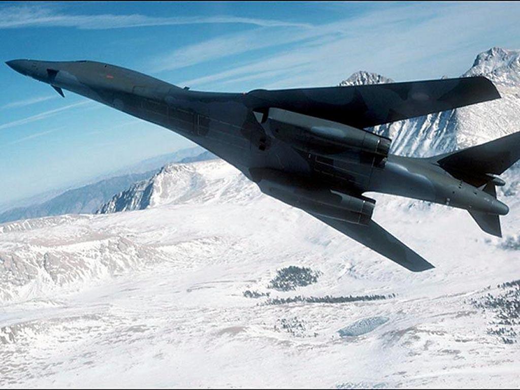 http://3.bp.blogspot.com/_7v0kUwDTG4U/TNGM5EqFtsI/AAAAAAAAAtg/T2NojXi8QGk/s1600/latest-fighter-jet-wallpaper.jpg