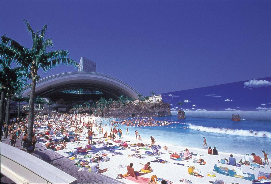 أغلى 11 حمامات سباحة في العالم Japan%E2%80%99s-Indoor-Man-Made-Beach