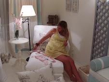 Eliana no quarto da Carolina