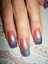 unghii tehnice acryl ,imbinare de culori complementare cu design de glitter