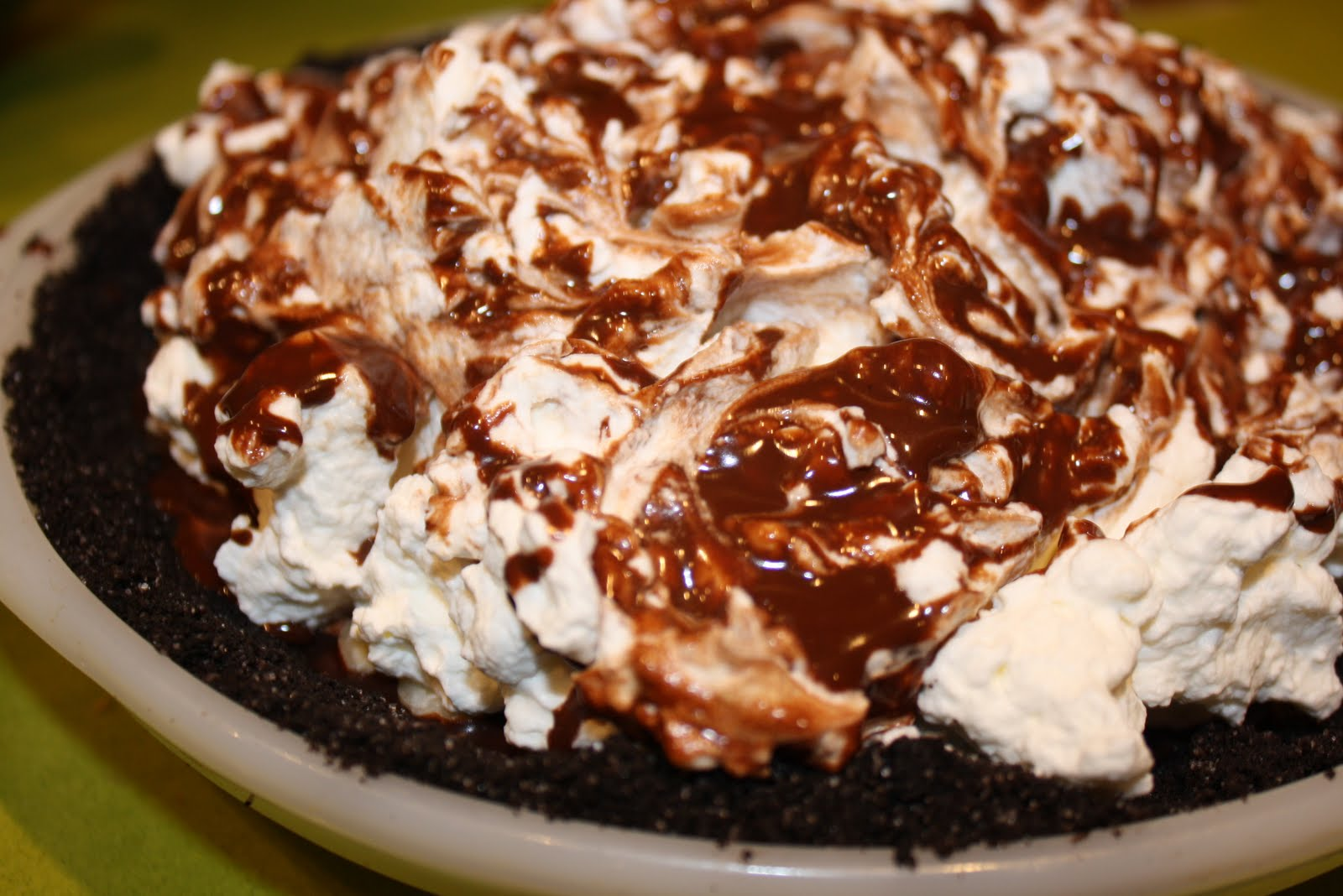 Nostalgic Nosh: Chocolate Black-Bottom Pie
