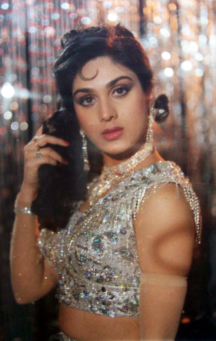 ... hollywood: happy birthday to romantic star meenakshi sheshadri