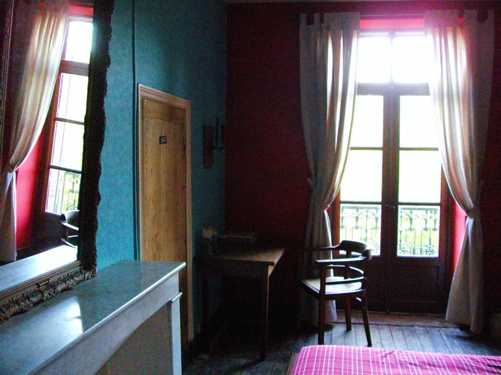 Rode Vloerbedekking Slaapkamer : Het franse huis