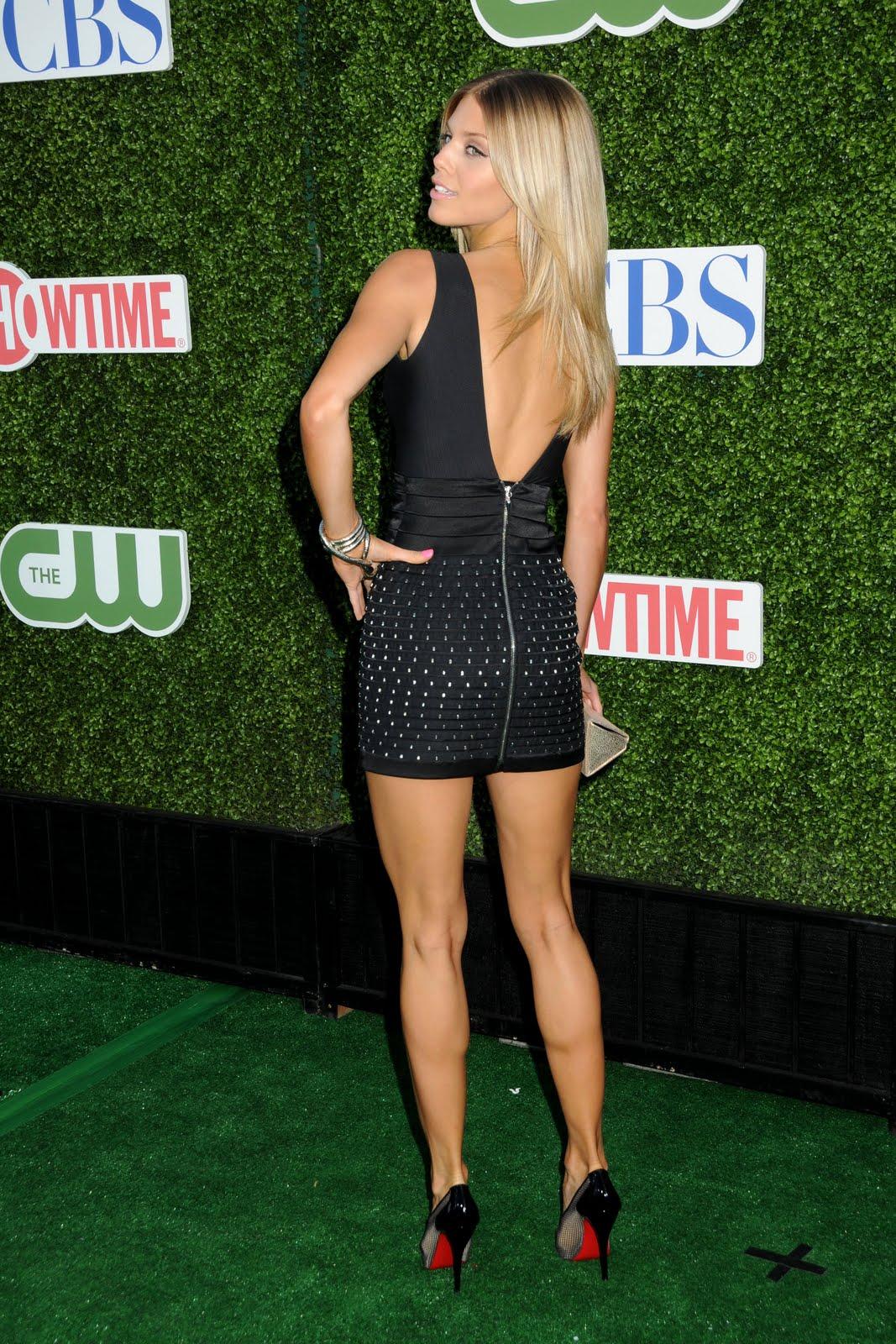 http://3.bp.blogspot.com/_8-fdcmHQIgk/TFIVsryIA6I/AAAAAAAACu8/iap7lhePPwk/s1600/AnnaLynneMcCord_Bikini-HQ%252B(35).jpg