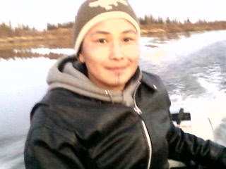 Agnes cruzing the ice free river...