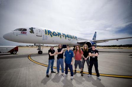 12 tonna cucc van a Boeing 757-ben.