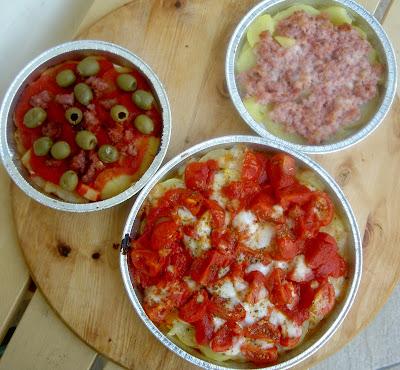 pizza di patate origano capperi pomodori