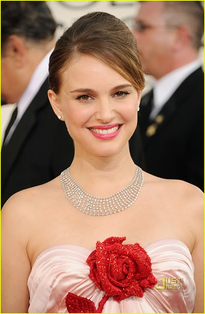 natalie portman in victor and rolf ! i loved this look ! really !