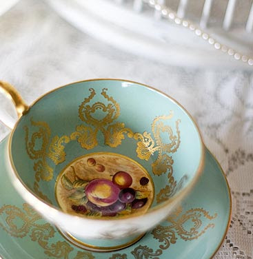 Vintage Tea Sets owner Vicky Rowe is passionate about all things 1920 s and