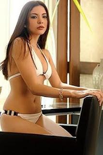 Amanda Griffin_sexy pinay